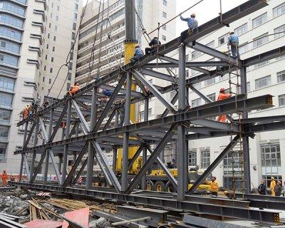 华东医院钢结构天桥